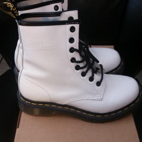 Dr. Martens Shoes   White Doc Martens